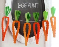 DIY paper carrot garland - so cute for Easter!