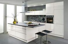Beyaz gri mutfak