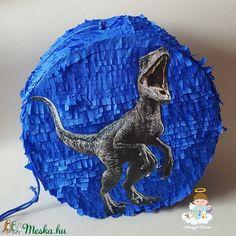 Egyedi fényképes piñata (pinyáta) (mangyal0403) - Meska.hu Hobbit, Techno, Lion Sculpture, Statue, Instagram, Art, Art Background, Kunst, Performing Arts