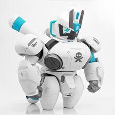 Vinyl Toys, Vinyl Art, Scary Halloween Cakes, Robot Cute, Surface Modeling, Robot Concept Art, Superhero Movies, Designer Toys, Graphic Design Posters