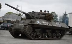 M10 Wolverine Tank Destroyer in Action - Listen Some Revs of the 2x GM 6 Cylinder Engine