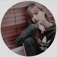 Kpop Aesthetic, Aesthetic Photo, Yolo, Overlays Tumblr, Kpop Profiles, Profile Pictures Instagram, Grey Wallpaper, Bts Drawings, Blackpink Photos