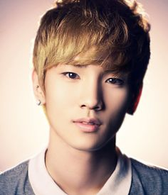 SHINee's Key.  Look how perfect he is.  Sob.