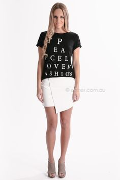 peace love fashion tee - black