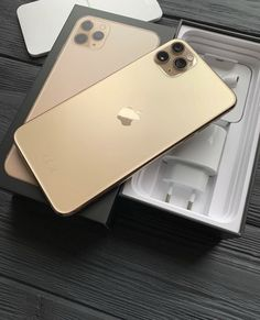 Iphone 10, Apple Iphone, Apple Sale, Free Iphone Giveaway, Pink Laptop, Ipad, Silicone Iphone Cases, Pretty Iphone Cases, Apple Brand
