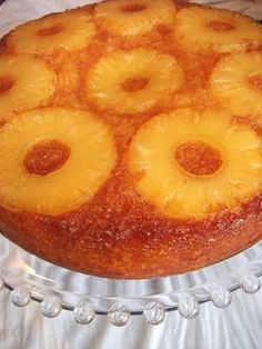 spilled cake with pineapple Tunisian Food, Healthy Breakfast For Kids, Cake Recipes, Dessert Recipes, Pineapple Cake, My Best Recipe, Food Cakes, Flan, Chocolate Desserts