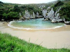 playa de gulpiyuri schönste strände schönste urlaunsziele