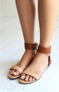 sandales ne cuir marron, les dernieres tendances chez les sandales femme en cuir
