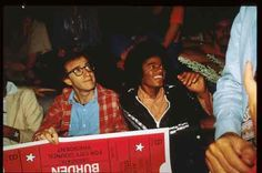 Doesn't get any better than Woody Allen and Michael Jackson hanging out together. Priceless look on Woody's face. #woodyallen #michaeljackson
