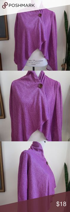 Bobeau One-Button Fleece Wrap Cardigan Cape S M Bobeau wrap cardigan in vibrant purple/fuchsia shade with asymmetrical hem. Perfect for everyday errands, after-workout wear, and easily transitions into evening wear.   Women's Size Small/Medium (size tag is missing, i am a size 6/8 and this fits).   68% polyester 27% rayon 5% spandex    Currently still available at Nordstrom…