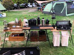 Camp Kitchen set up Camping Diy, Camping Style, Camping Survival, Tent Camping, Camping Gear, Camping Hacks, Outdoor Camping, Glamping, Camping Kitchen Set Up