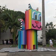@minhau_sp  no Mube, escultura em madeira de 5m de altura! Meu amor, meu orgulho... #minhau #minhau_sp by Chivitz, via Flickr