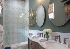 LOVE this Property Brothers Take New Orleans bathroom!