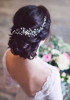 32 Super ideas for wedding hairstyles updo chignon beautiful Wedding Braids, Bridal Hair Updo, Bridal Hair Vine, Bridal Headpieces, Bridal Bun, Bridal Style, Wedding Hairstyles For Long Hair, Bride Hairstyles, Trendy Hairstyles