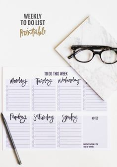 Download this Weekly To Do List Printable and find yourself more organized with these top tips.