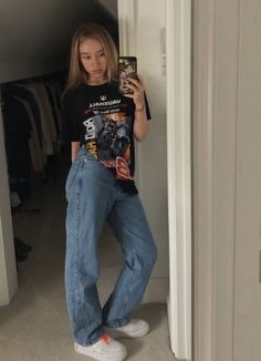 Indie Outfits, Street Style Outfits, Cute Casual Outfits, Retro Outfits, Fashion Outfits, Summer Outfits, Grunge School Outfits, Winter Outfits, Outfits With Mom Jeans