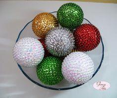 bolas com lantejoulas
