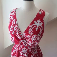 Bold Print Maxi Dress Merona Brand Maxi Dress...perfect for summer and so easy to wear...100% cotton...fully lined...elastic waist binding...machine washable...pre-loved in excellent condition. Retail $34.99 Merona Dresses Maxi
