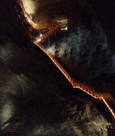 世界遺産の一期生!ポーランドの「ヴィエリチカ岩塩坑」が美しい | RETRIP[リトリップ]