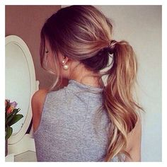 Instagram Insta-Glam Curly, Wavy Ponytails ❤ liked on Polyvore featuring hair and hairstyles