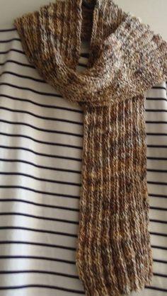 Conjunto de cachecol + gorro feito com lã importada super sedosa. R$ 45,00