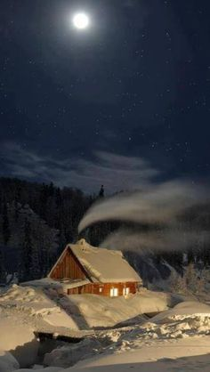 Silent Night at a Cozy Winter Cabin in Mezhdurechensk, Russia I Love Winter, Winter Night, Winter Time, Winter Moon, Cold Night, Cozy Winter, Winter Months, Beautiful World, Beautiful Places