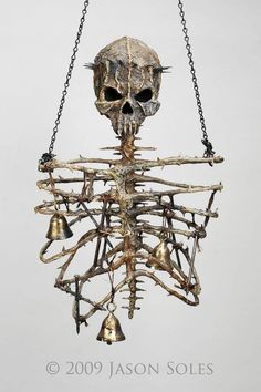 Skull wind chimes....Now that my type of wind chime!!!!