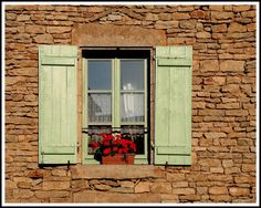 Window in Châteauneuf through the eyes of rodgerg