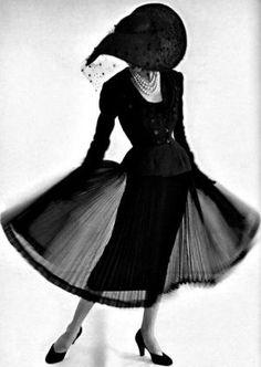 Ladylike style - mylusciouslife - vintage fashion photography.jpg