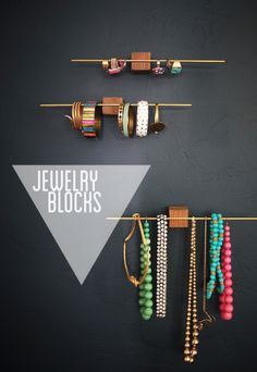 genius DIY jewelry organization idea by my friend Beth of Bneato (for Emily Henderson):: wooden and brass jewelry blocks. this would work great for hanging hair accessories as well. up-size the blocks and dowel for organizing scarves. Diy Design, Modern Design, Creative Design, Rack Design, Storage Design, Creative Ideas, Design Ideas, Diy Organizer, Jewelry Organization