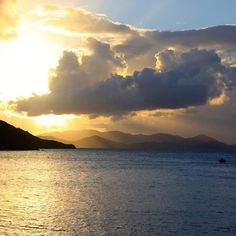 We are speechless every evening - love our BVI sunsets. | British Virgin Islands Sunset | Crewed Yacht La Buscadora
