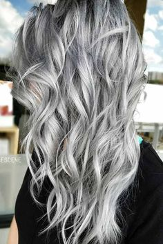 hair highlights blonde Learn the trendiest hair colors for this winter: smokey blonde hair, caramel bro. Learn the trendiest hair colors for this winter: smokey blonde hair, caramel bro. Curly Silver Hair, Silver Grey Hair, Silver Hair Colors, Grey Hair Colors, Lilac Grey Hair, Silver Platinum Hair, White Ombre Hair, Ombre Brown, Silver Ombre