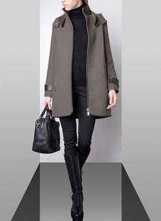 SPECIAL PRICES - España Me encanta esta parca con capucha (169 euros) una pena que no la tengan en coral o azul klein
