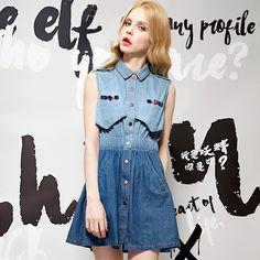 buttoned sleeveless jeans dress