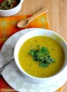 Crema de Plátano Verde (Creamy Plantain Soup)--totally serve with bacon or crispy fried peameal Colombian Cuisine, My Colombian Recipes, Ecuadorian Recipes, Soup Recipes, Cooking Recipes, Healthy Recipes, Delicious Recipes, Plantain Soup, Green Plantain Recipes