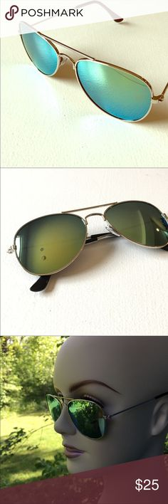 NEW Aviators Sunglasses Brand new in package. Accessories Sunglasses