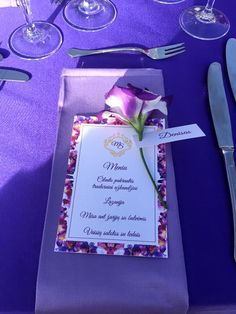 wedding table setting, purple tables cover, menù, flower centerpiece, wedding decors, wedding outdoor, wedding day, Cilento coast, Sposa Mediterranea, Olga studio