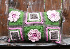 Water Lily crocheted accent pillow, throw pillow, decorative pillow, Ready to ship.