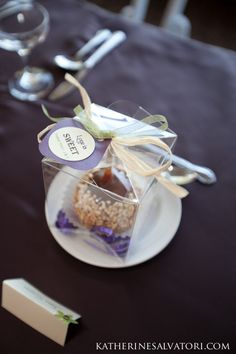 I want candy apples at my wedding! Maybe as a favor or escort card ...