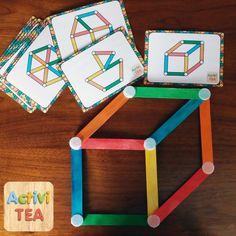 Juego con palitos de colores para crear figuras
