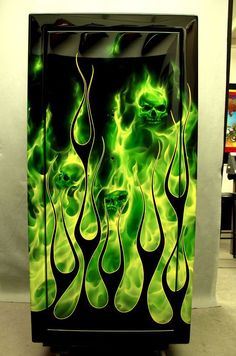 That would be a sick paint job on a custom bike. Pinstriping, Airbrush Designs, Fire Painting, Air Brush Painting, Custom Paint Motorcycle, Motorcycle Art, Pinstripe Art, Flame Art, Skull Pictures
