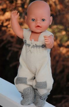 Baby born knitting pattern - Oscar by Maalfrid Gausel - (Islender) traditional fisherman sweater Knitting Dolls Free Patterns, Knitted Dolls Free, Doll Clothes Patterns, Clothing Patterns, Baby Born Kleidung, Dress Making, Toys, How To Make, Dressing Up