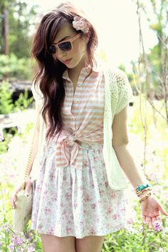 20 Ways to Wear Florals | Mix and match prints