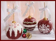 Homemade Caramel Apples that are dressed up to look like Christmas Ornaments