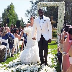 Rebecca Jefferson and Lance Gross are officially man and wife! The two exchanged vows in a gorgeous ceremony outside LA. Click to see all of the Lance Gross wedding photos.