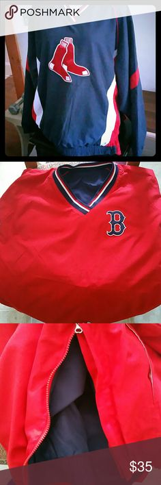 Boston Red Sox Reversible windbreaker with side zip for easy off. Pockets on sides.  No size is given anywhere on it.  I'm a 16-18 and it fits me. I would say a Men's X-Large, however, if you are interested in this item and want further measurements, just let me know.  In a bit of a rush at the moment ;) Thank-you, as always, for stopping by ?? Red Sox Gear Jackets & Coats