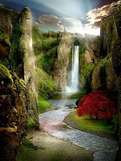 36 Incredible Places That Nature Has Created For Your Eyes Only - Shangri-La River, China. looks like Middle Earth Beautiful Waterfalls, Beautiful Landscapes, Places Around The World, Around The Worlds, Beautiful World, Beautiful Places, Amazing Places, Wonderful Places, Trees Beautiful