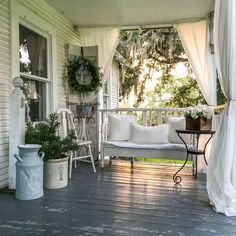 County Road 407 Farmhouse front porch by 47 Rustic Farmhouse Porch Decorating Ideas to Show Off This Season Small Front Porches, Farmhouse Front Porches, Front Porch Design, Rustic Porches, Country Porch Decor, Porch Designs, Deck Design, Rustic Decor, Front Porch Seating