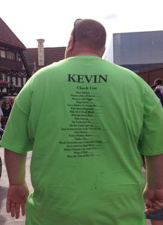 I saw this man at Disney and had to take a photo of his shirt! I LOVED this idea!! Every member of his family had a checklist of things to do/see on their Disney trip and as they completed them, they used a sharpie to check each accomplishment off! Such a fun idea!!!