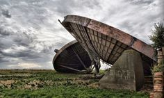 Echoes of Cold War Britain abound across the Lincolnshire Wolds, from neglected hangars to forgotten control towers. But one of the most intriguing scenes is that of four vast radar dishes abandoned at the former RAF Stenigot in Lincolnshire